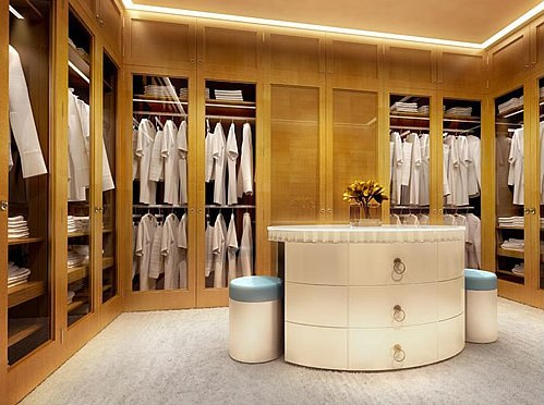 Attrayant If You Are Looking For A Walk In Closet Design That Offers The Maximum  Amount Of Storage And Versatility Then A Custom Made Shop Built Closet Is  The Way To ...